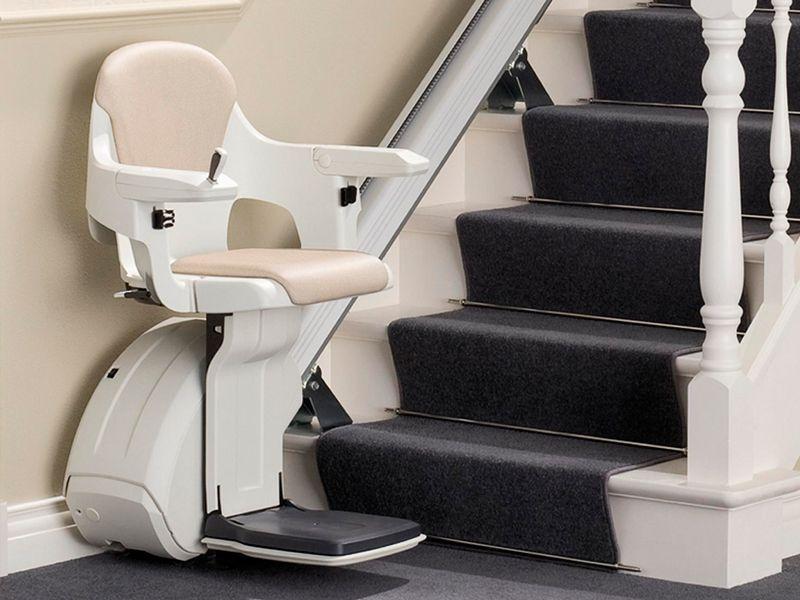 Mantenimiento de sillas salvaescaleras en Camas